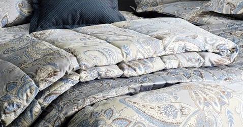 tagesdecke v bassetti zucchi wohndecke 135x200 blau wooton plaid makosatin neu ebay. Black Bedroom Furniture Sets. Home Design Ideas